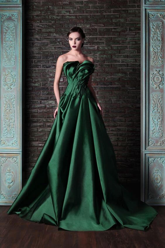Emerald Green Wedding Dress Represents Nature and a Symbol for Calmness and Harmony