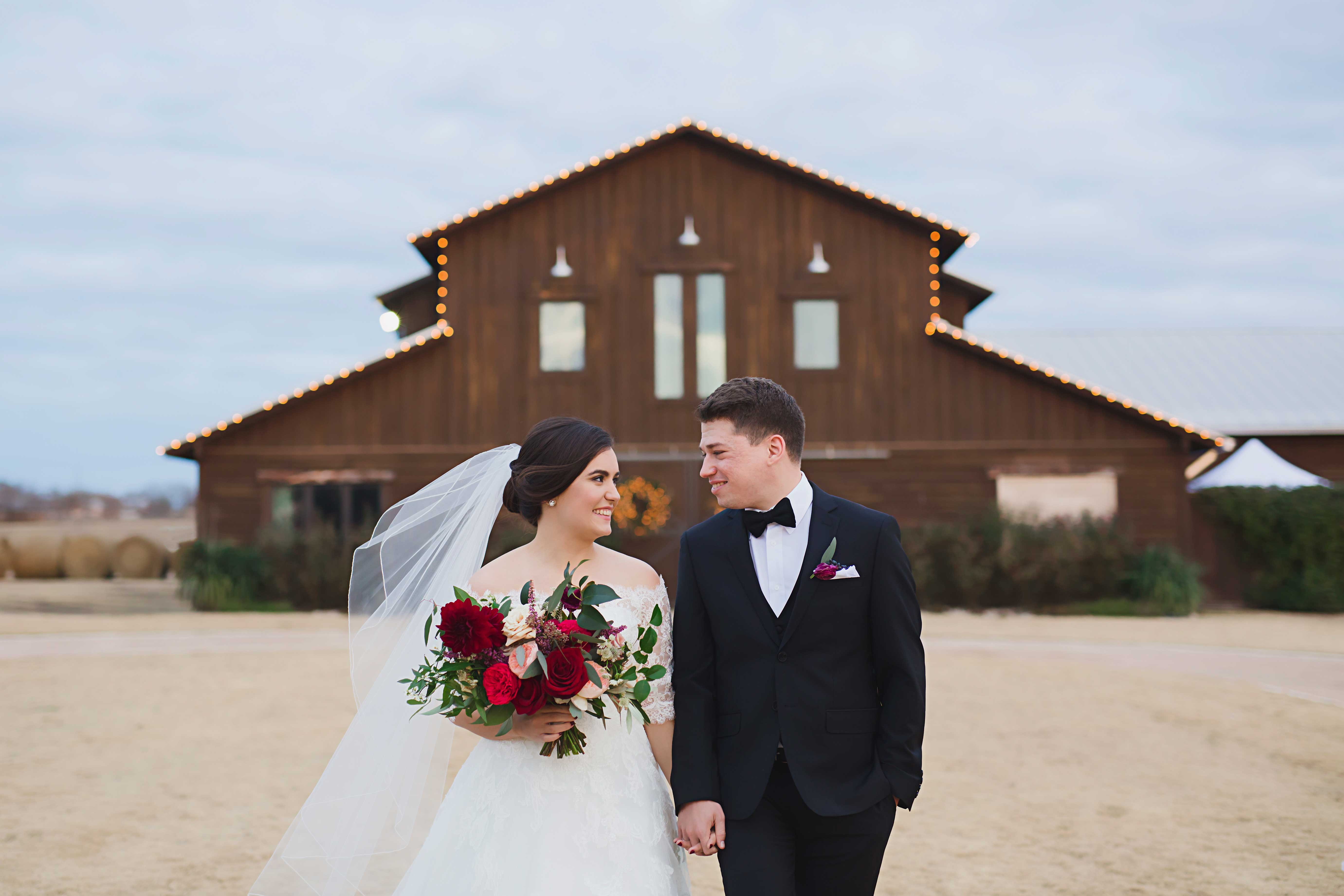 Real Weddings Zola: Real Wedding – Shelby & James