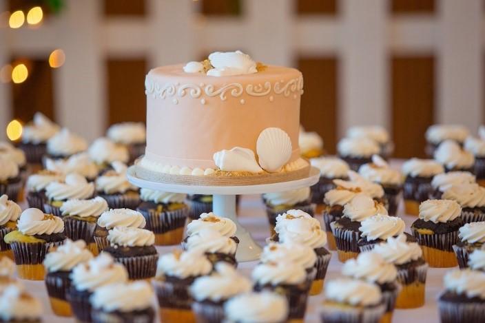 Best Wedding Reception Food Ideas - Wedding Cake Cupcake