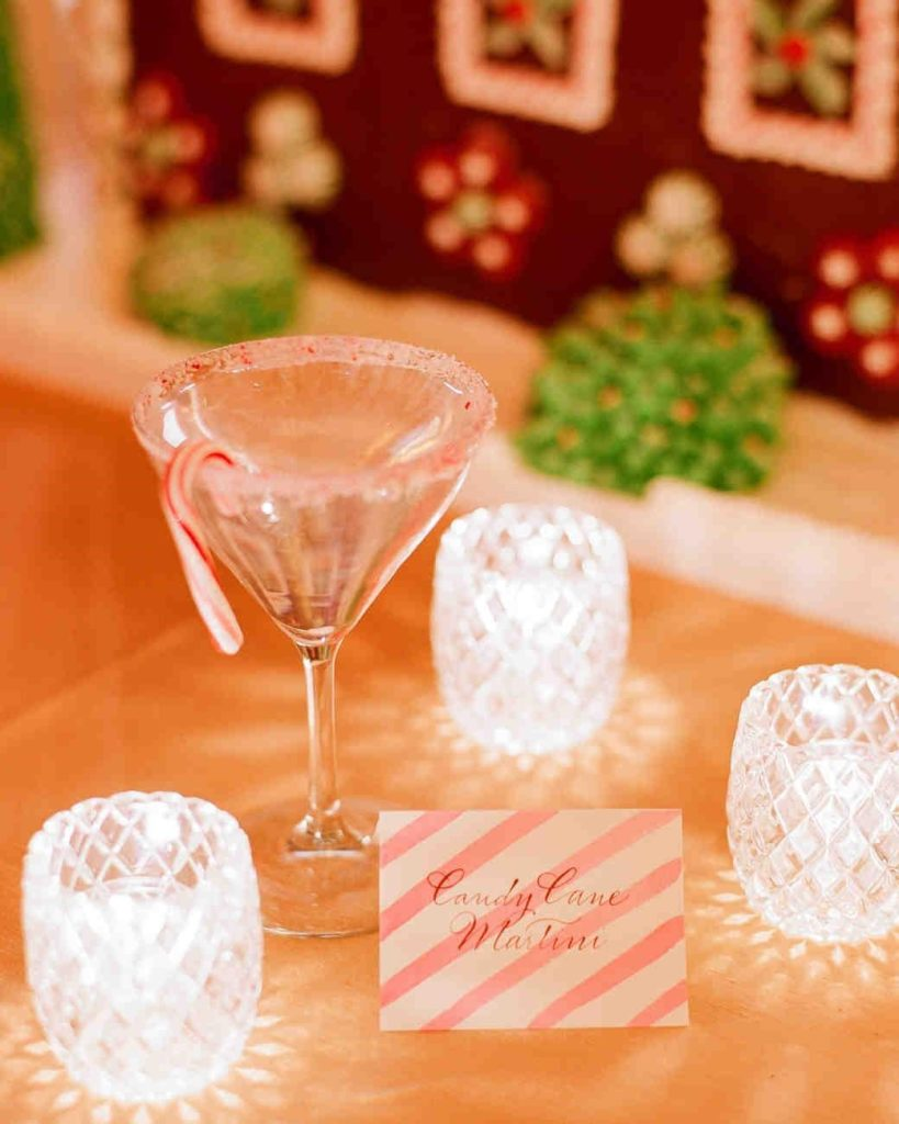 Wedding Decor Ideas: Candy Cane Details to Add Holiday Spirits to Christmas Wedding