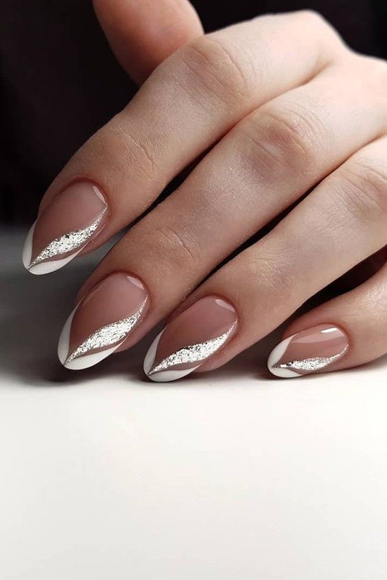Modern French Tips Nail Art Ideas with a Touch of Simplicity and Stylishness