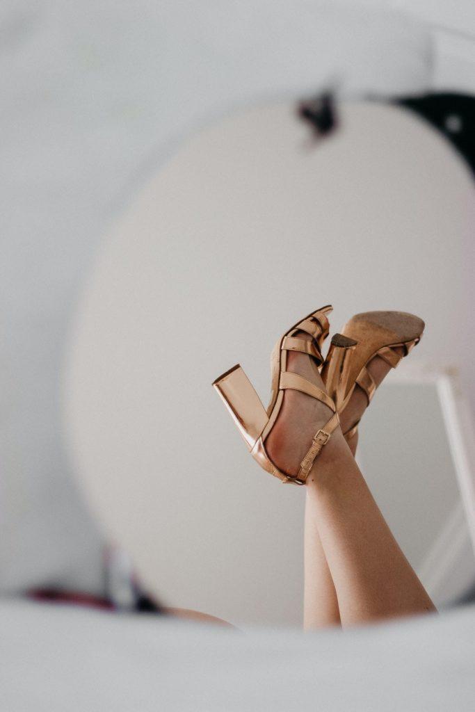 Sandals with block heel