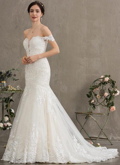 Trumpet/Mermaid Off-the-Shoulder Court Train Tulle Wedding Dress