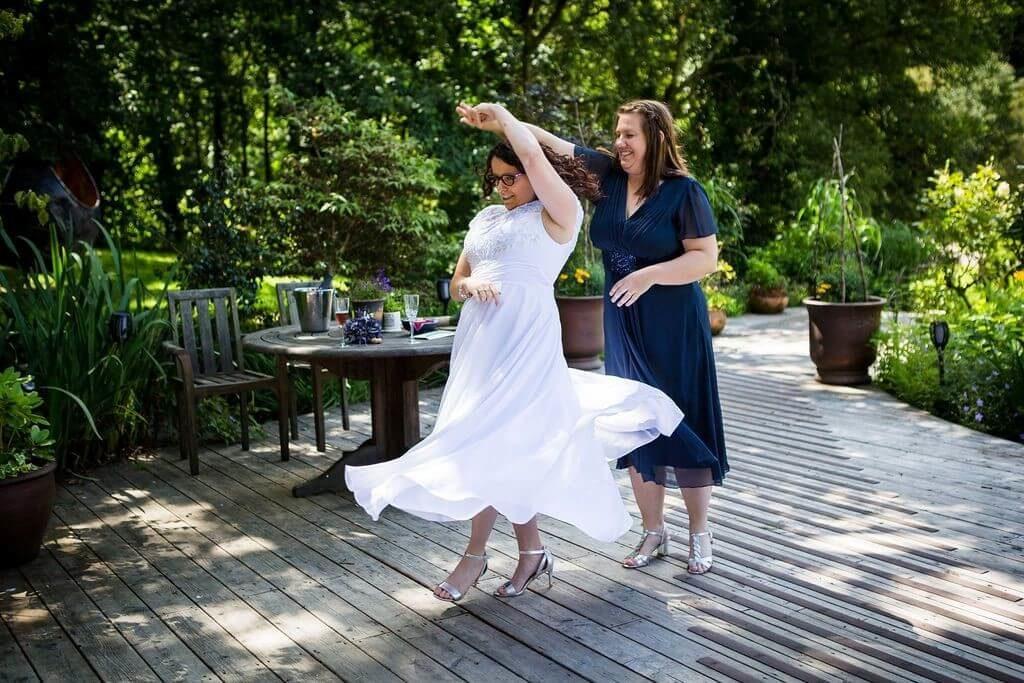 Casual Wedding Dresses - A-Line Scoop Neck Asymmetrical Chiffon Wedding Dress