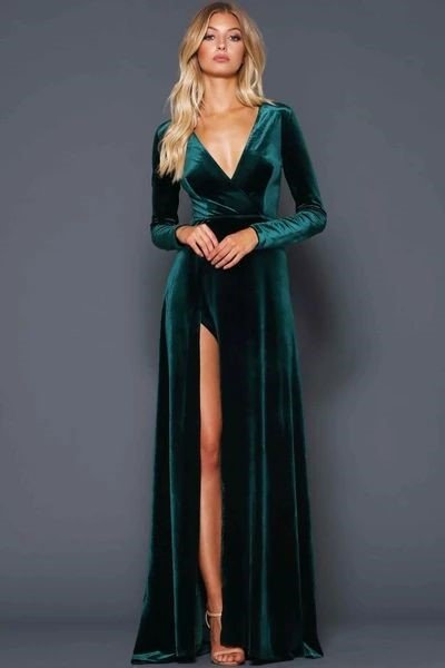 Fascinating and Show-Stopping Emerald Green Velvet Dresses