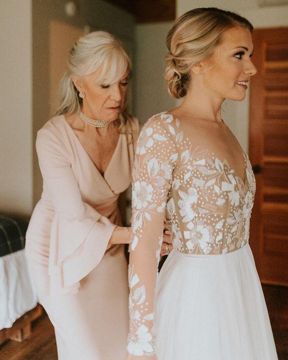 Mother of the bride doing her duties