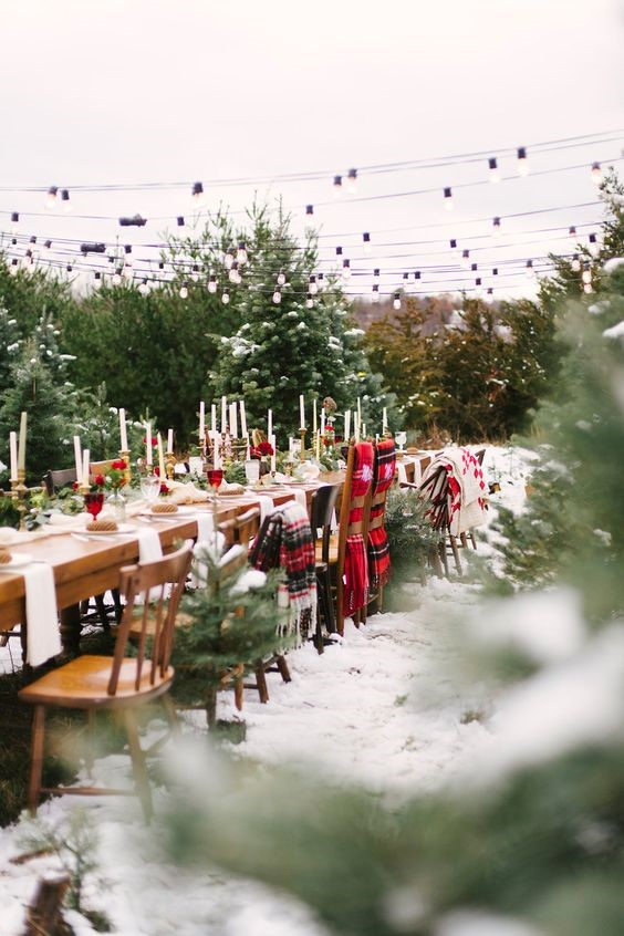 Outdoor Christmas wedding decor