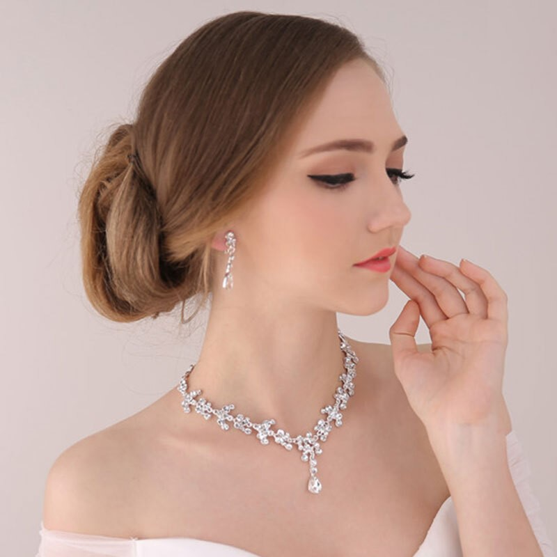 Beautiful Classic Alloy Rhinestones Jewelry Set